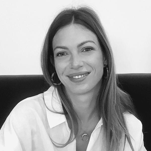 Pálinkás Fruzsina social média specialista profil fotó